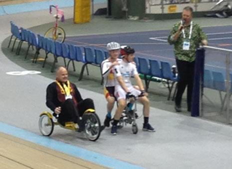 The mini tandem versus the recumbent in Crest's crazy bicycle race.