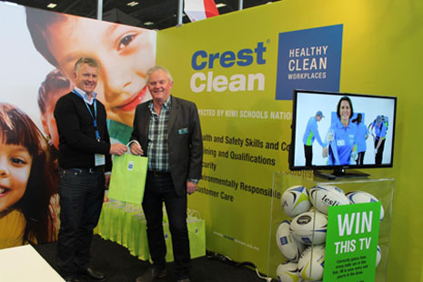 CrestClean's Managing Director Grant McLauchlan with Gavin Beere, Principal of Hillpark Primary School and an executive member of the NZPF.